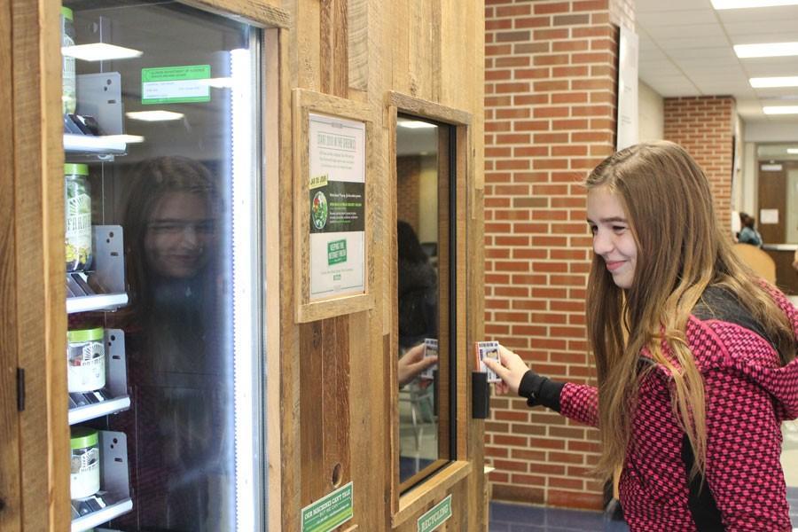 Salad vending machine promotes health