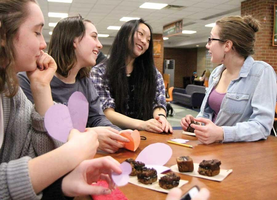 Junior+girls+celebrate+their+friendship+on+Galentine%27s+Day.