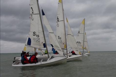 ETHS Sailing Club prepares for Great Lakes Regatta on Nov. 5