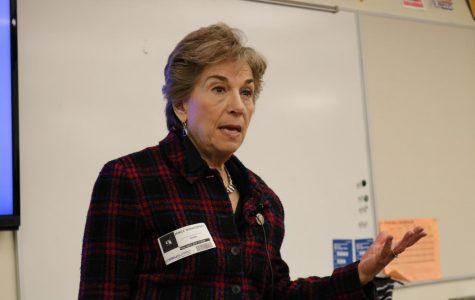 Congresswoman Schakowsky visits ETHS to discuss gun reform