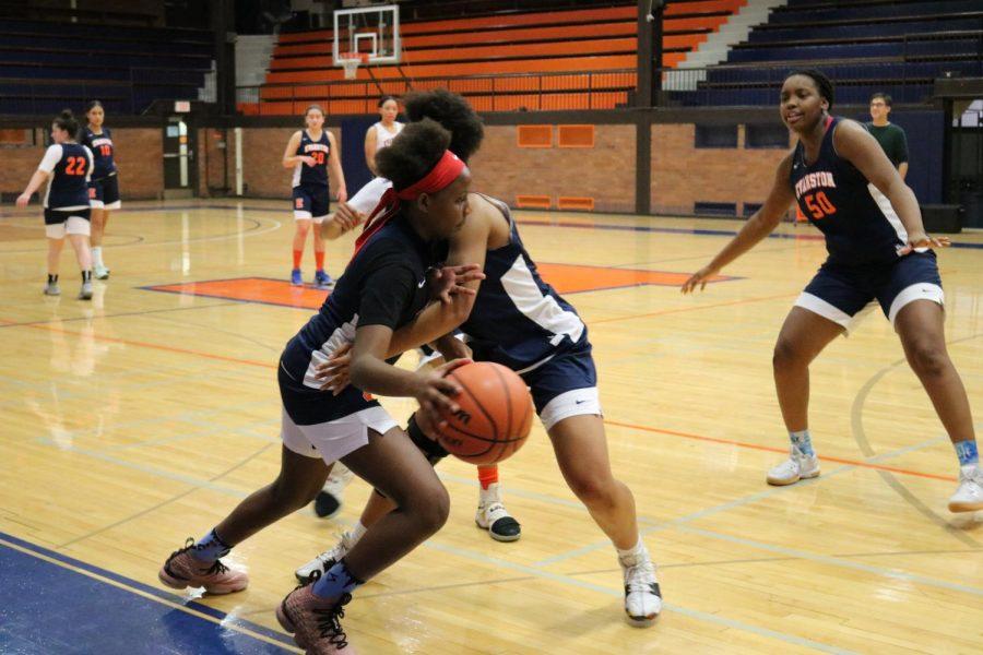 Girls+basketball+set+to+kick+off+season