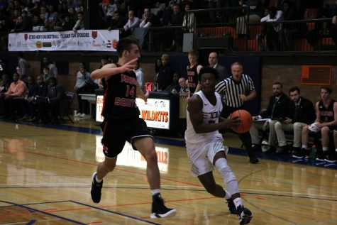 Boys basketball off to successful start despite undersized lineup