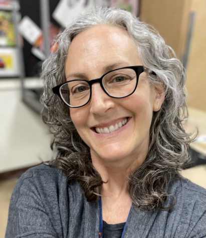 Painting, ceramics and drawing teacher Marla Seibold retires after 33 years