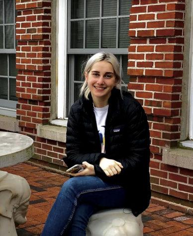 Photo of Lauren Dain